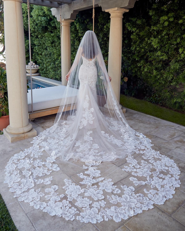 casablanca-bridal-gown-01.jpg