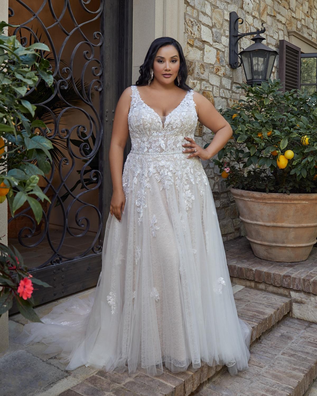 casablanca-bridal-gown-02.jpg