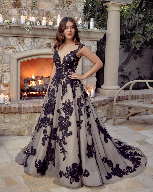 casablanca-bridal-gown-03.jpg
