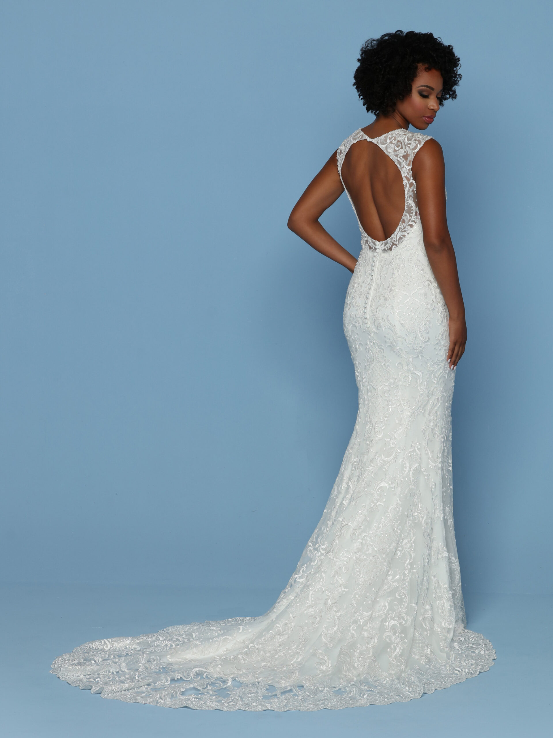 davinci-bridal-gown-02-scaled.jpg