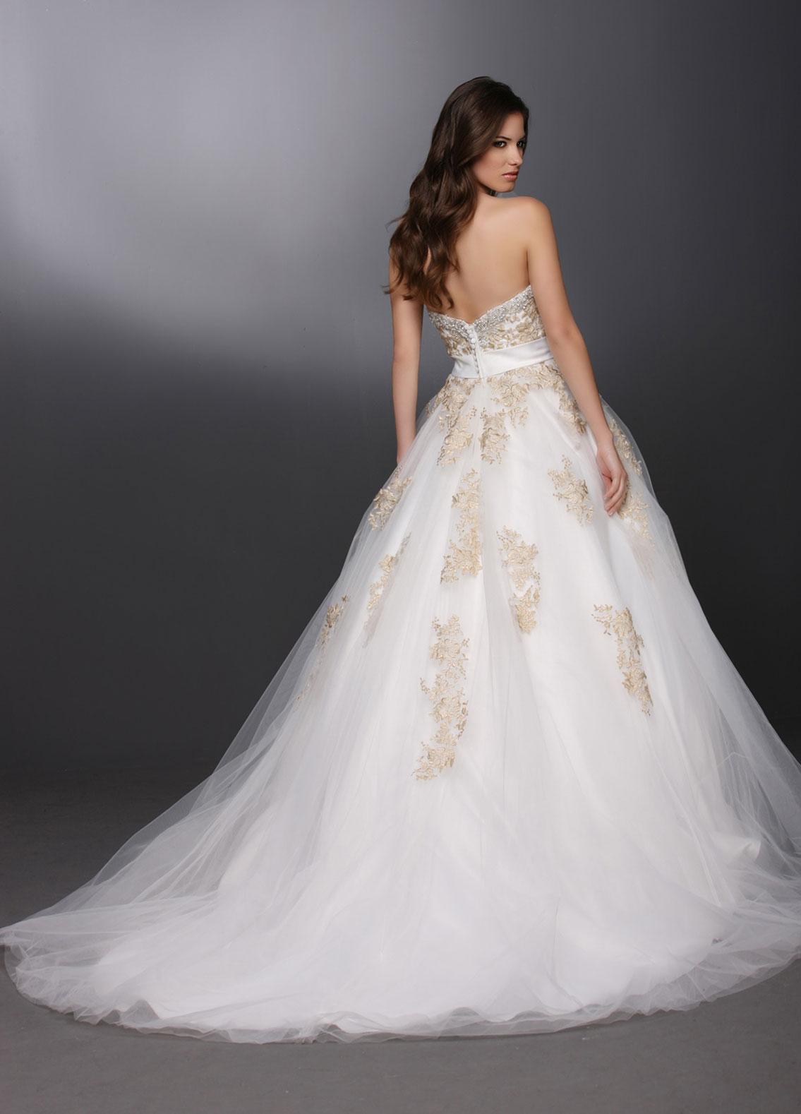davinci-bridal-gown-07.jpg